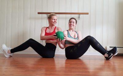 Partner workout.